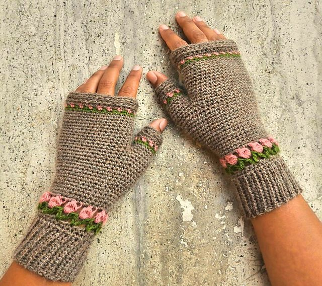10 Free Crochet Fingerless Gloves Patterns