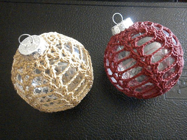 thread crochet christmas ornament cozy free pattern