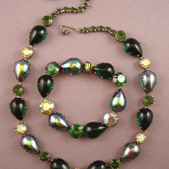 Regency Green Cabochon Necklace & Bracelet Set Demi-Parure Value