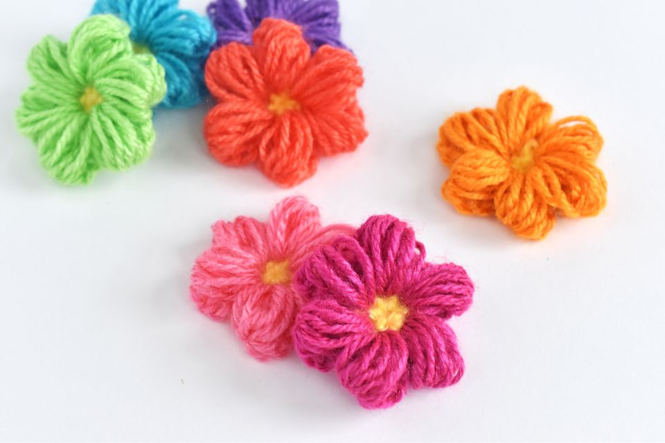 DIY Crocheted Puff Stitch Flowers