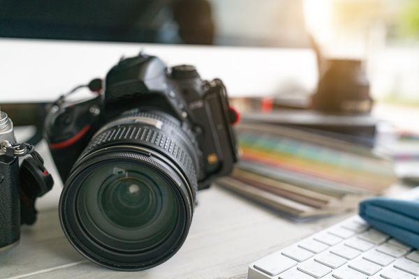 photographer photographic photograph journalist camera traveling photo dslr editing edit hobbies lighting concept