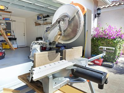 Can you use 8 inch dado blades on 10 inch saws how to use a compound miter saw in the woodshop greentooth Images