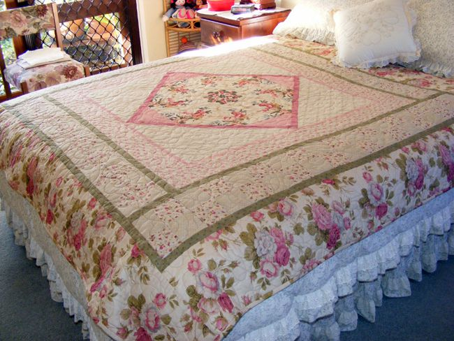Mum's Bed of Roses Quilt