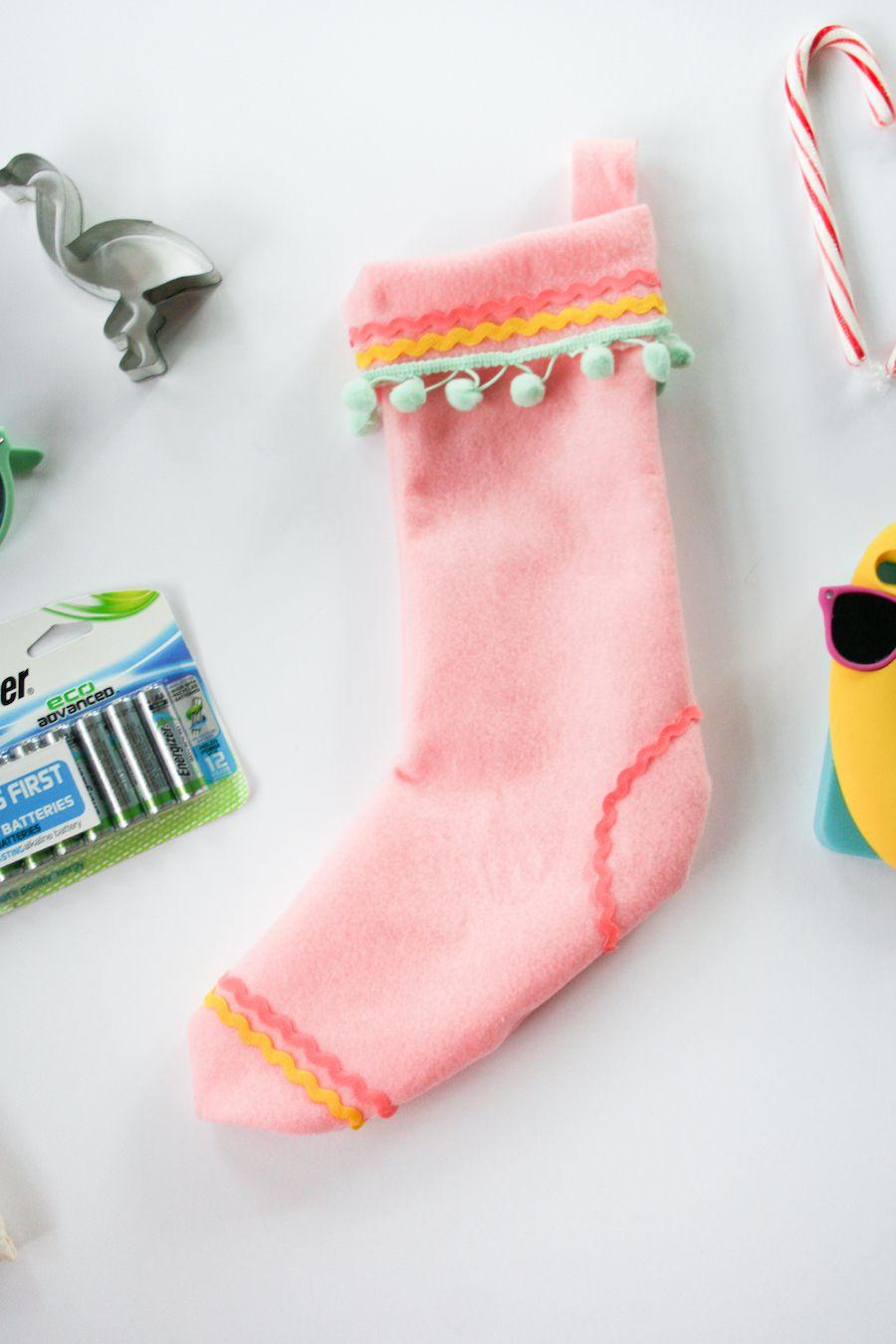 how to trim a stocking