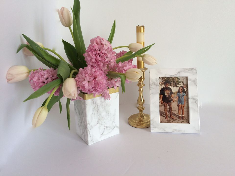 A Gorgeous DIY Faux-Marble Vase & Frame For Mother's Day