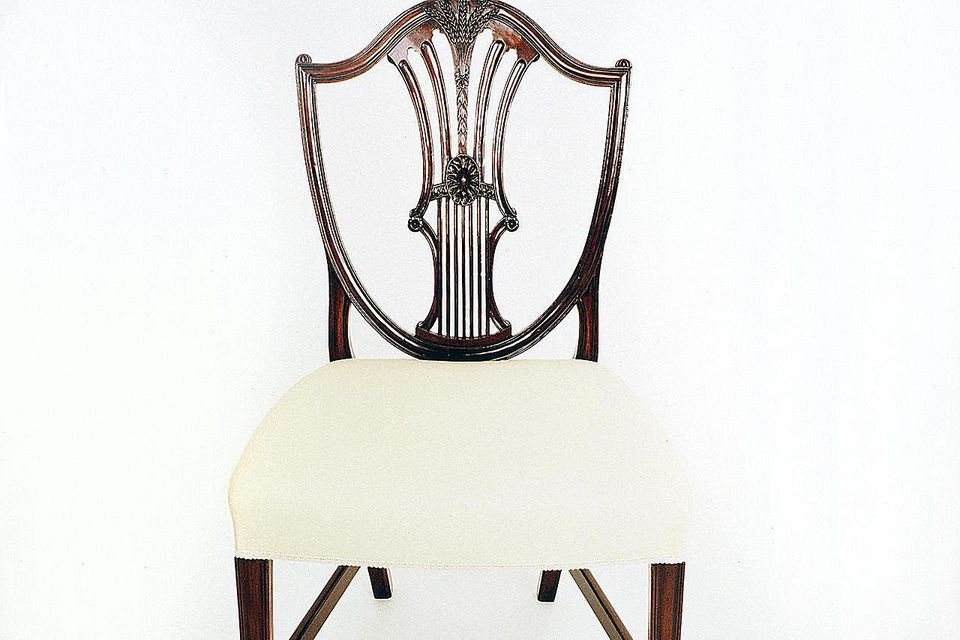 George III style mahogany Hepplewhite chair, ca 1770-1780. United Kingdom, 18th century.