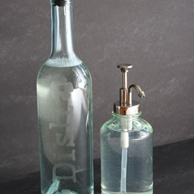 wine bottle crafts, how to etch a wine bottle
